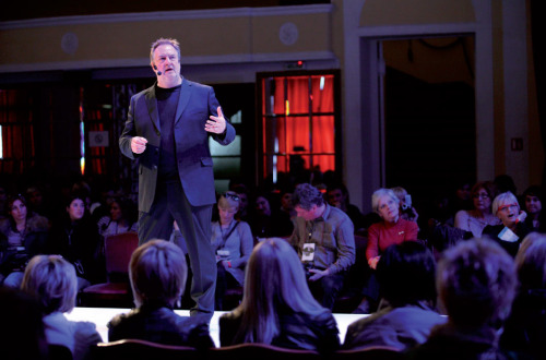 U sklopu poslovnih seminara na ovogodišnjem Hairstyle Newsu 2011 predavač je bio Alan Austin-Smith. Ponosni smo što nas je počastio svojim dolaskom i što je s nam podijelio svoja znanja i iskustva.