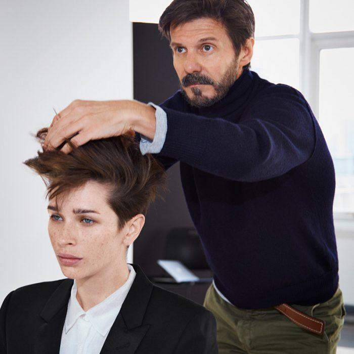 Redken frizer stilizira kosu
